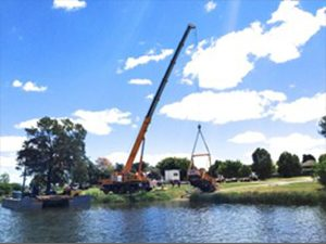 Crane barge services rendered in Sydney